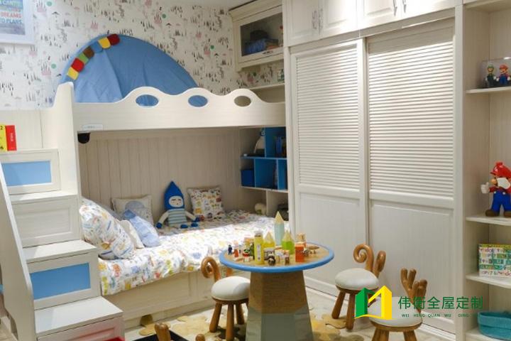 现代风格男孩儿童房